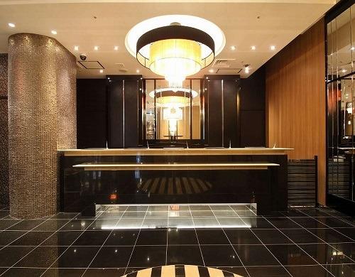 アパホテル<新宿 歌舞伎町タワー> / 【素泊まり】 ■最上階28階に大浴場・露天風呂完備 ■新宿駅東口から徒歩6分 ■Wi-Fi無料接続