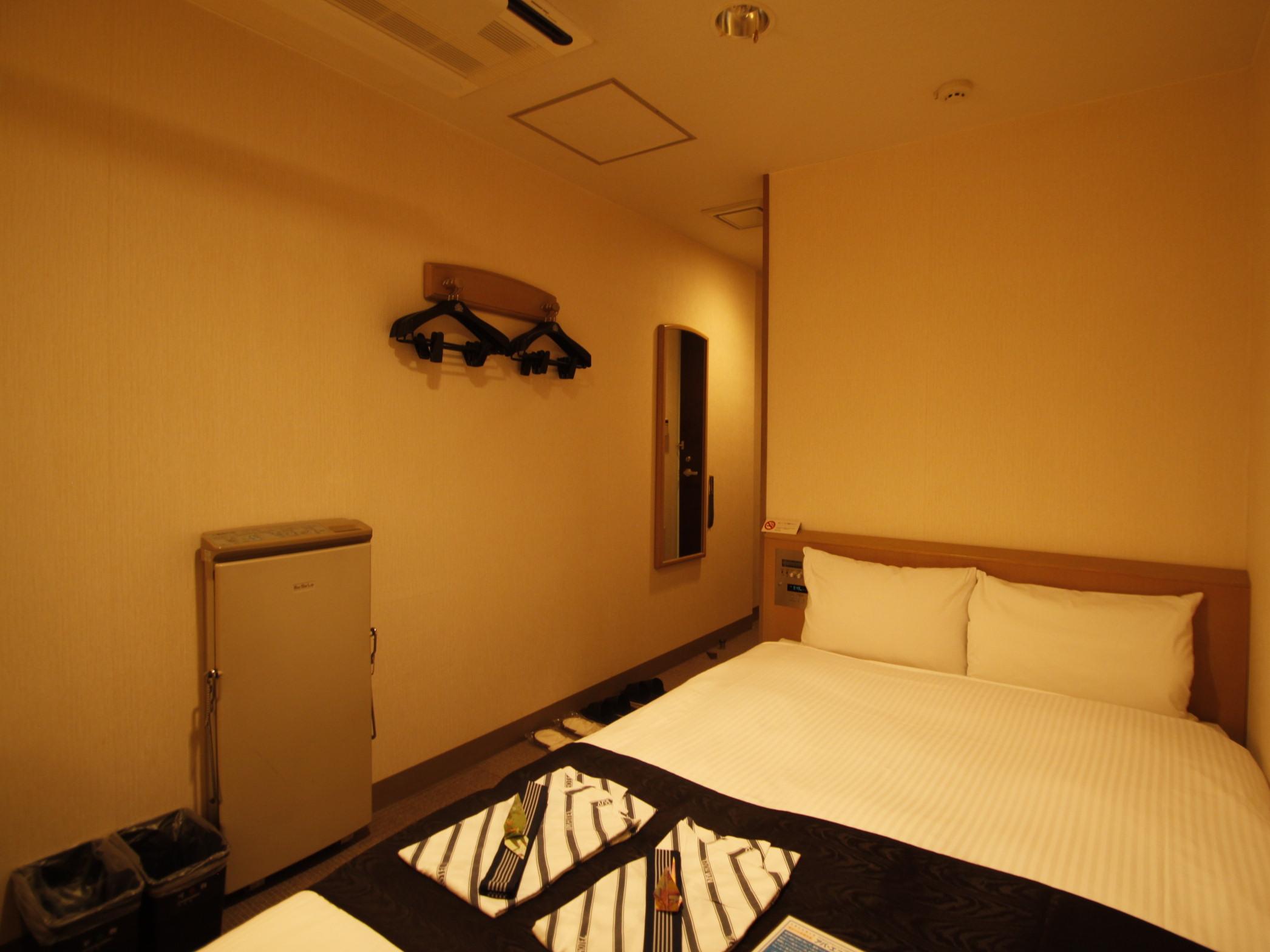 アパホテル<蒲田駅西> / セミダブルルーム 禁煙室