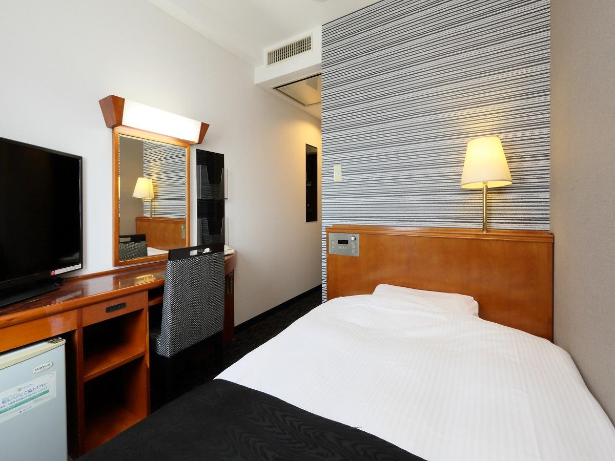 アパホテル<大垣駅前> / ◆喫煙室◆ シングル 11平米/120cm幅ベッド1台
