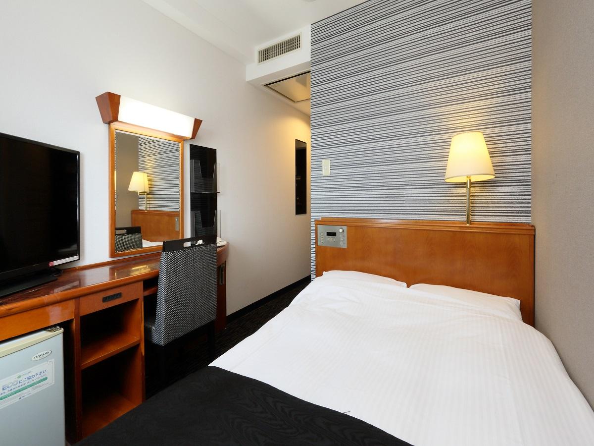 アパホテル<大垣駅前> / ◆喫煙室◆ セミダブル 11平米/120cm幅ベッド1台
