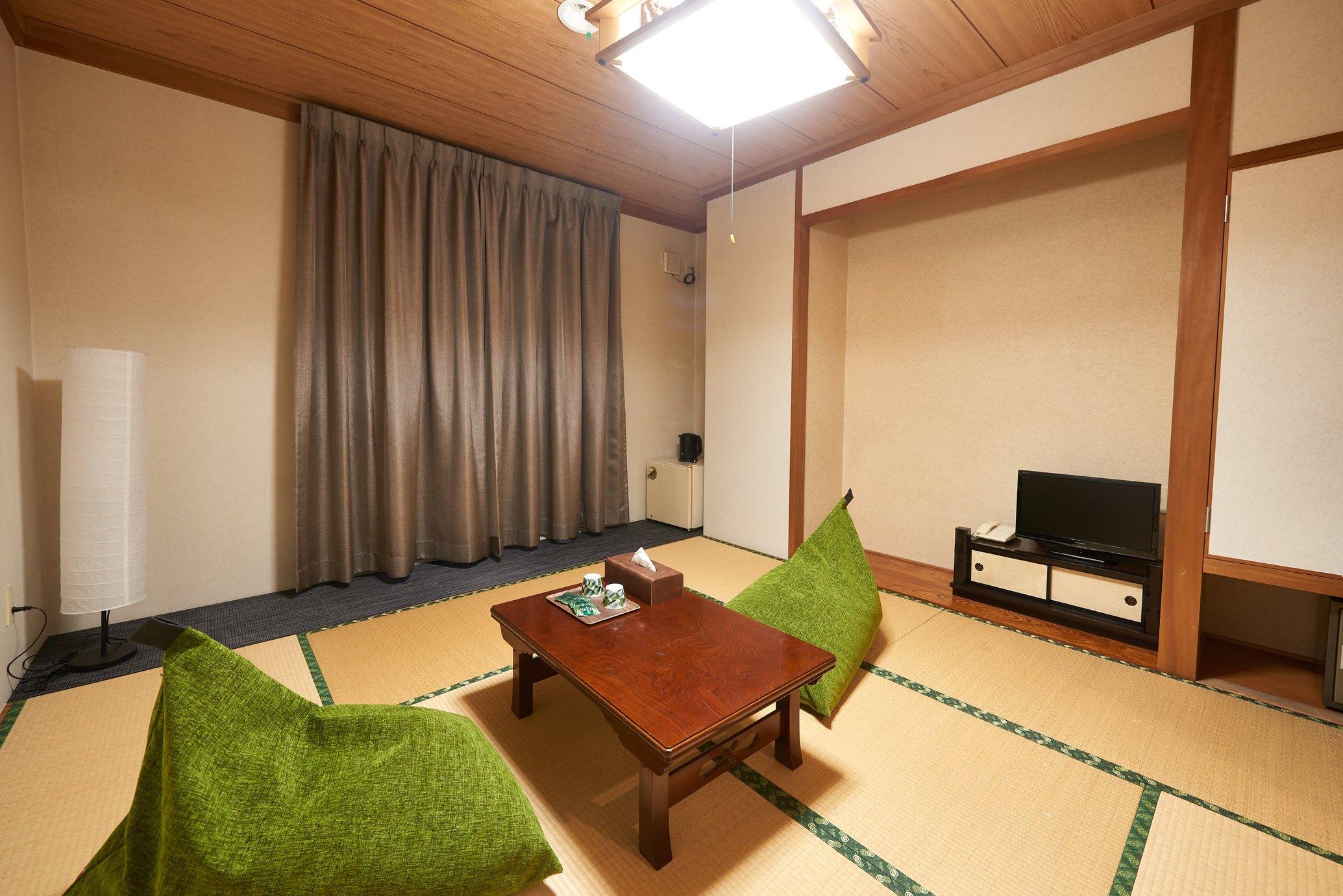 ホテル雲井 / 2名用和室/バス・トイレ付