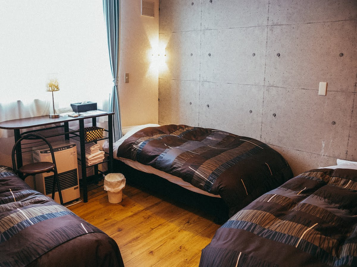 petit-hotel #melon / トリプルルーム(共用バス・トイレ)