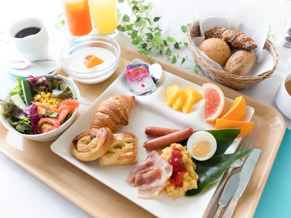 ホテルカレッタ 【2食付島の食材を使った懐石料理&焼きたてパンの朝食の2食付