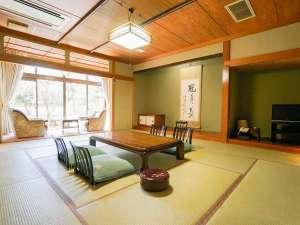 月岡温泉 風鈴屋 / 本館 特別室【 16畳 庭園付和洋室 】