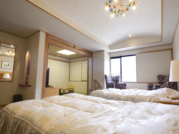定山渓ビューホテル 【本館】和洋室(和室6畳+ベッド2台)
