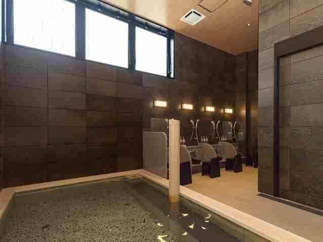 クイーンズホテル千歳 / 早割14!14日前のご予約でお得♪(素泊り)◆1階無料大浴場でお寛ぎいただけます◆