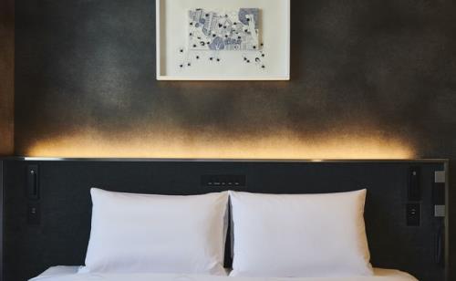 クロスホテル札幌 / 【Newly Renovated】-URBAN- 夫婦で。都会的な洗練された空間/朝食付[HH06]