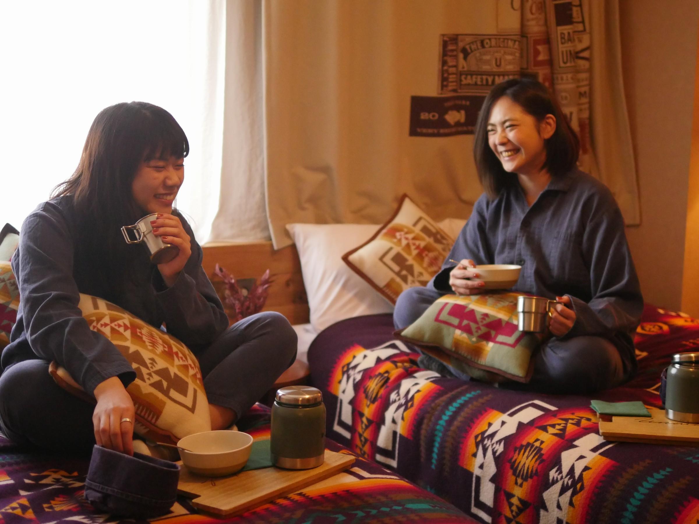 UNWIND HOTEL&BAR / 【HP限定】john masters organicsアメニティ&フルーツカクテル付き女子旅プラン【