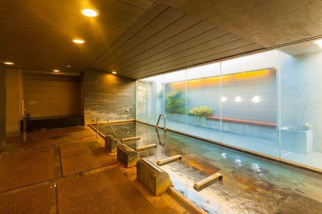 天然温泉 加賀の湧泉 ドーミーイン金沢 喫煙和洋室