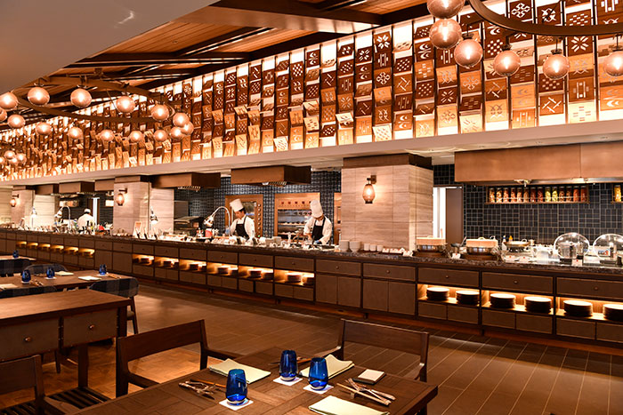 フサキビーチリゾート ホテル&ヴィラズ / 夜はホテルでゆっくりと♪ディナーブッフェで世界中の料理を堪能◆夕食&朝食付き