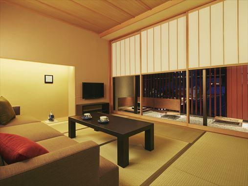 星野リゾート 界 加賀 / 露天風呂付き和室「紅殻の間」(定員3名)