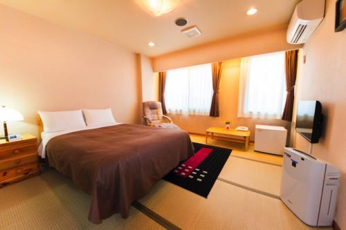 グランパーク ホテルかずさ / 【喫煙】和モダンルーム/無料Wi-Fi/1F大浴場あり