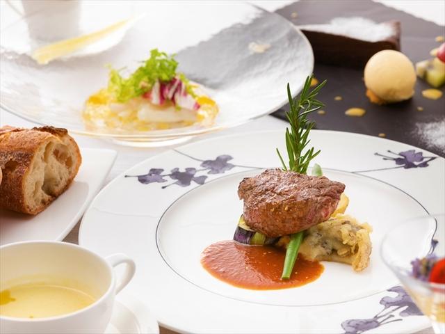 ガーデンテラス長崎ホテル&リゾート /  【2食付・室数限定】◆フランス料理◆『きらめく夜景×色彩豊かな一皿』が彩る特別な日