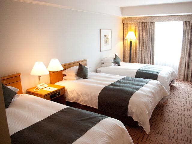 広島エアポートホテル / デラックスツイン+エキストラベッド【33平米・3名利用・禁煙】