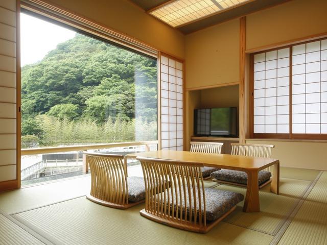 湯山荘 阿讃琴南 / モデレート和室