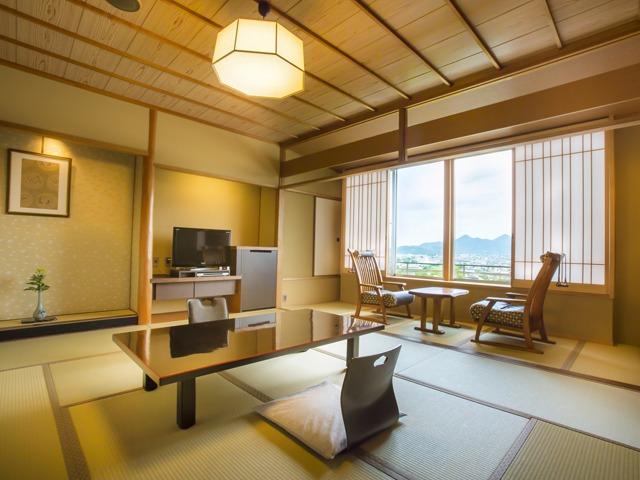 琴平花壇 / 富士見台/和室(讃岐平野側)41平米
