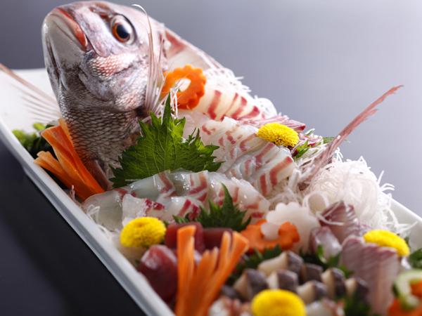 ホテルニューアワジ / 鯛の姿造りと宝楽焼を味わうまんぷく会席