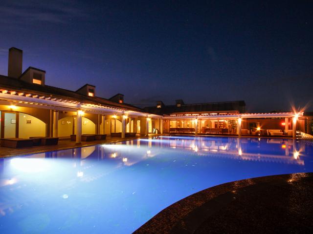 ホテルニューアワジ プラザ淡路島 / 夕陽に染まるガーデンテラスで山海の幸を愉しむ特選バーベキュー