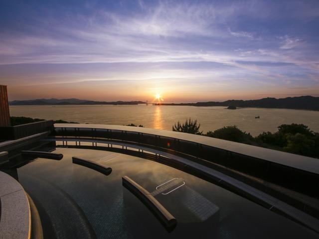 ホテルニューアワジ プラザ淡路島 自家源泉100%の療養泉「南あわじ温泉」と海の見えるレストランで40種類以上のメニュー豊富な朝食バイキングを愉しむ