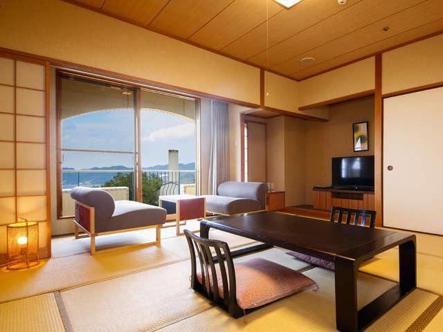 ホテルニューアワジ プラザ淡路島 / 和室(10.5帖・鳴門海峡ビュー)