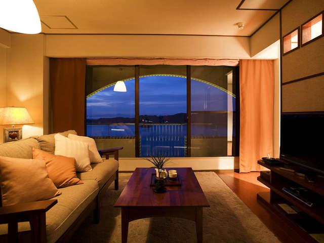 ホテルニューアワジ プラザ淡路島 / スイート711号(60平米・鳴門海峡ビュー)