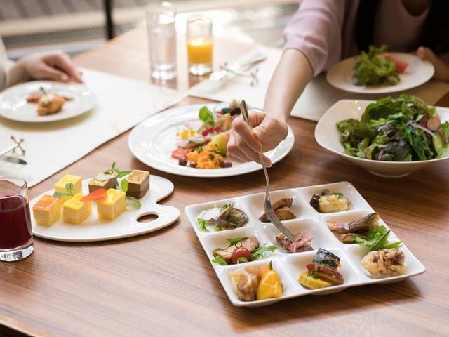 神戸ベイシェラトン ホテル&タワーズ 多彩な和洋のラインナップが食べ放題♪地産地消のディナーブッフェ&朝食バイキング2食付プラン