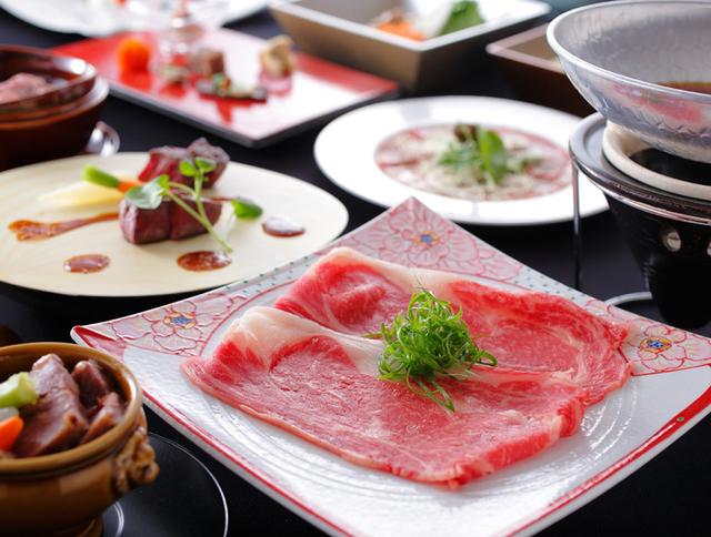 ザ・シロヤマテラス津山別邸 / 奈義ビーフをステーキやすき焼で味わう牛づくし懐石コース&地産地消の朝食ブッフェ付