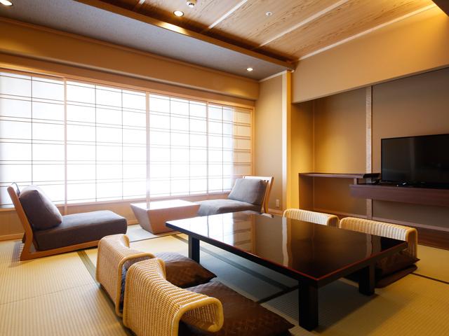 ザ・シロヤマテラス津山別邸 / 【レギュラーフロア】和室10畳 36平米
