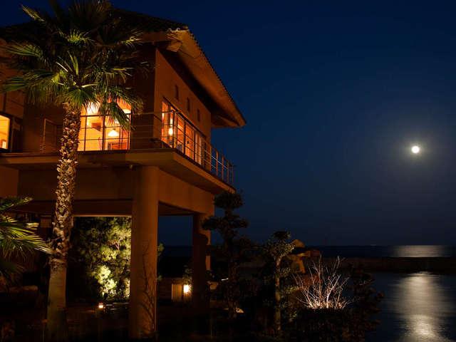 淡路夢泉景 【スペシャルフルムーンデイズ】月の道が美しく水面に揺蕩う夜にはスパークリングワインの無料サービスを