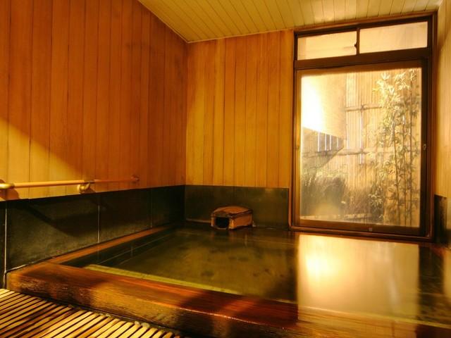 ホテル談露館 / 【スタンダード】天然温泉!源泉かけ流し黒い湯の華の舞う黒湯を愉しむ!≪素泊り≫