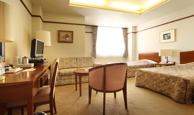ホテル談露館 / 【喫煙】デラックスツイン★ベッド幅120cm+ソファベッド