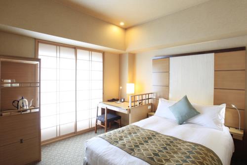 庭のホテル 東京 スタンダードセミダブル禁煙