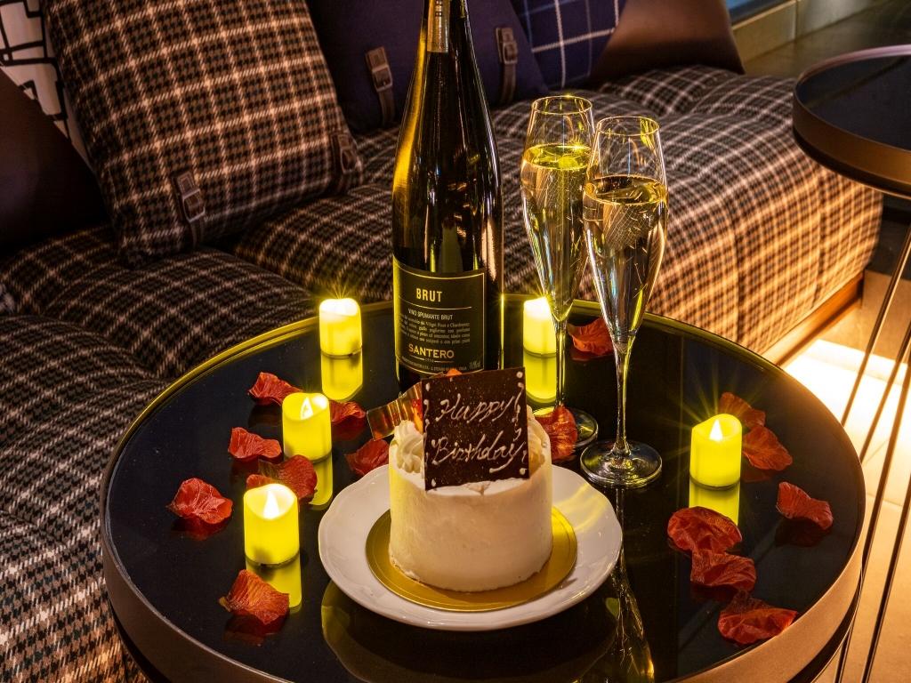 THE LIVELY東京麻布十番 / 【記念日プラン】 ケーキ&スパークリングワインで過ごすロマンティックステイ
