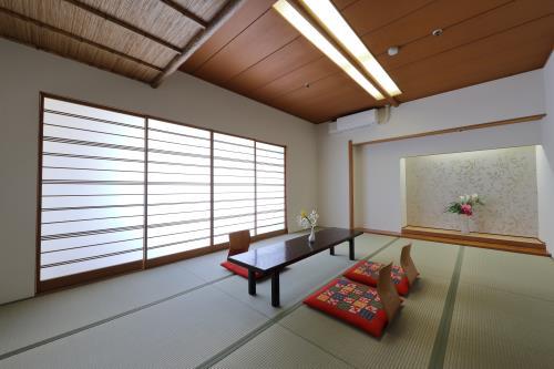ガーデンホテル紫雲閣 / 禁煙和室12畳