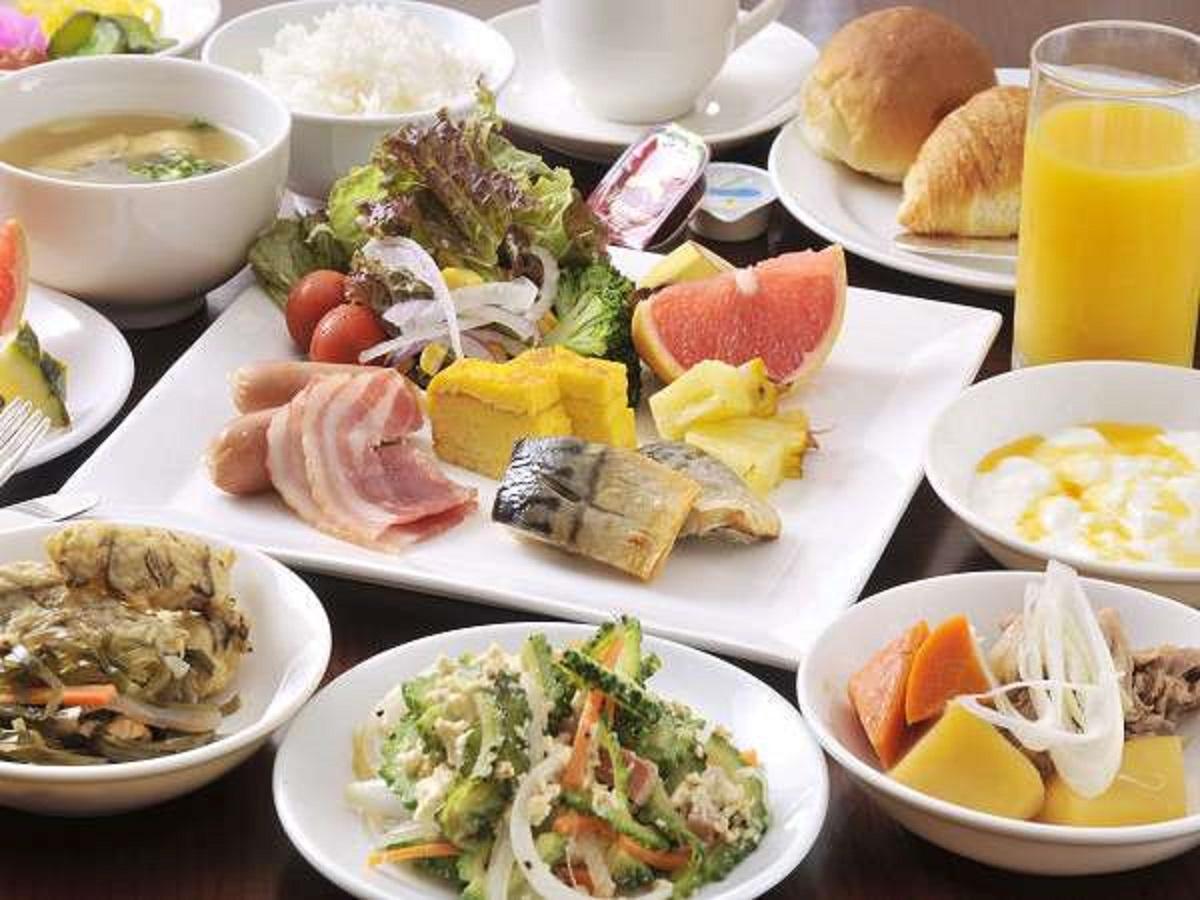 ホテルイーストチャイナシー / こだわりの手作り島料理の朝食付き