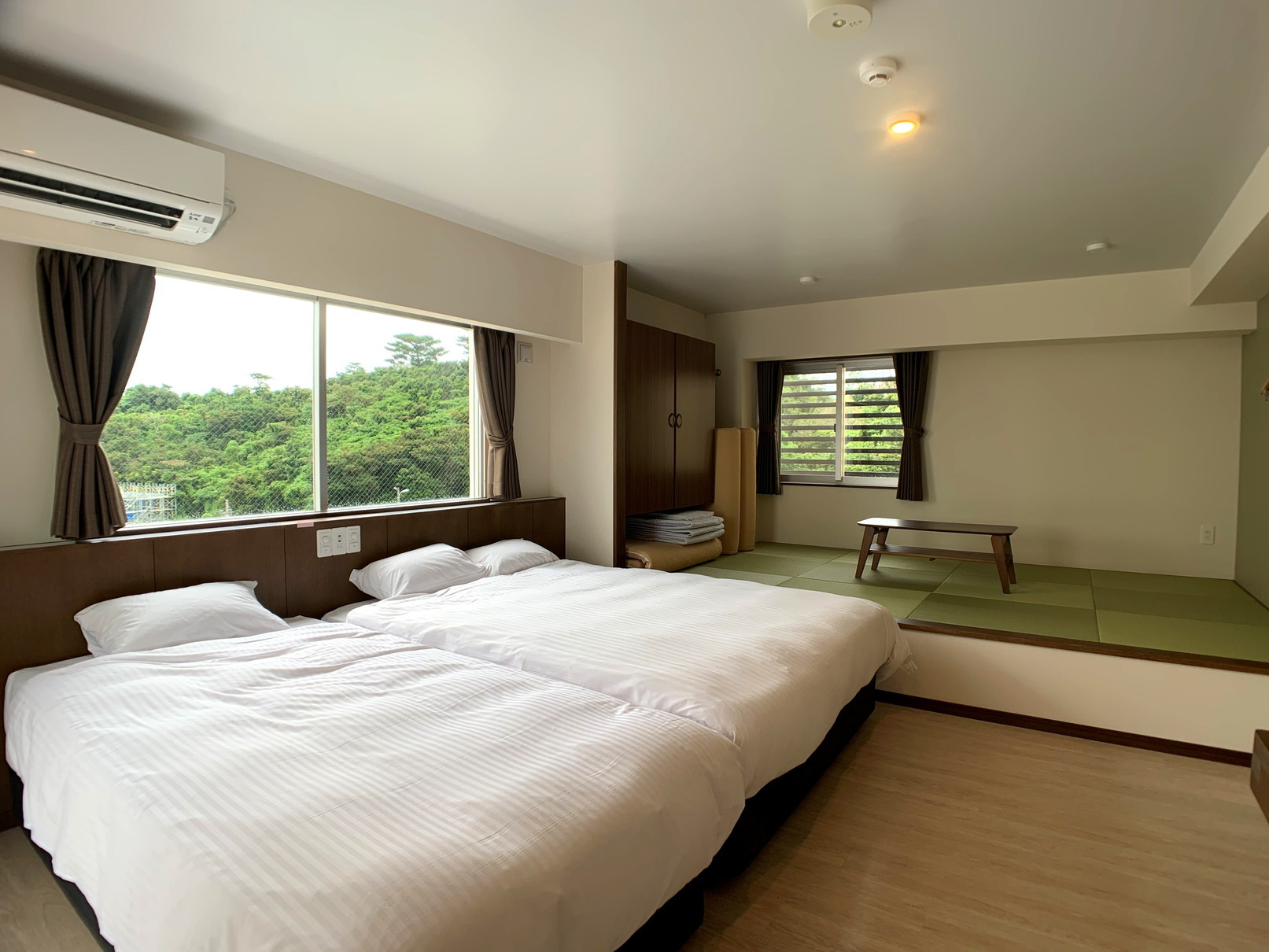 Aqua Resort in Chatan / 【宿カリ7】早めのご予約で人気の北谷で暮らすように旅をしよう!《素泊り》