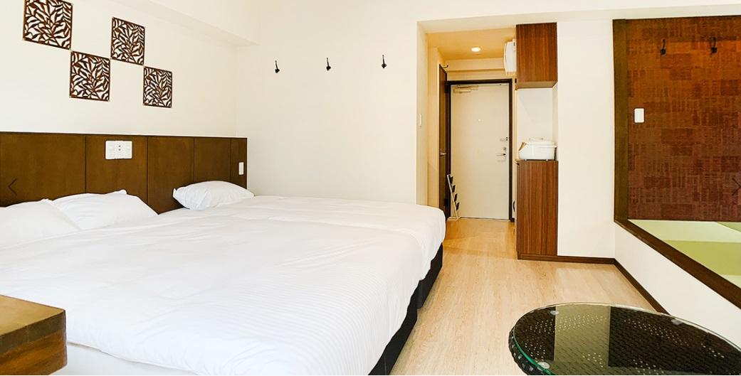Aqua Resort in Chatan / 【宿カリ45】 ファミリーやグループにおススメ!広々お部屋のコンドミニアムステイ《素泊り》