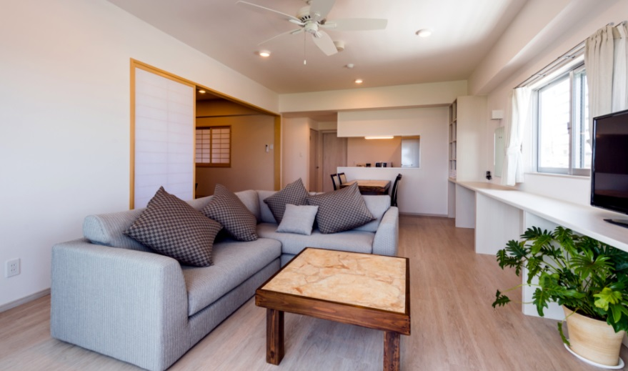 MINATO Chatan Seaside Condominium / 【宿カリ45】ファミリーやグループの大人数におススメ!広々お部屋のコンドミニアムステイ