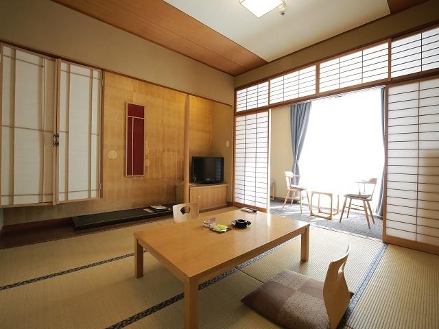 霧島観光ホテル / 【和の風情溢れる】シンプルなゆとり空間。スタンダード和室8畳