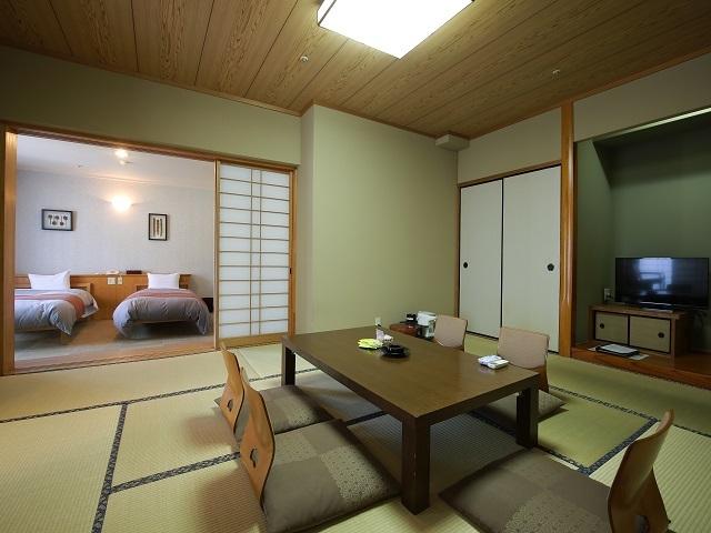 霧島観光ホテル /  【ゆったり広めサイズ】≪8畳+ツイン≫のモダン和洋室