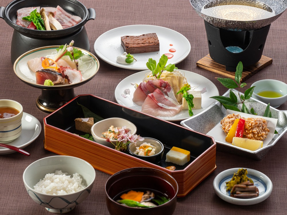 THE HOTEL YAKUSHIMA OCEAN & FOREST(旧シーサイドホテル屋久島) / オーシャンビュー確約♪広々和洋室ファミリープラン(夕朝食付)