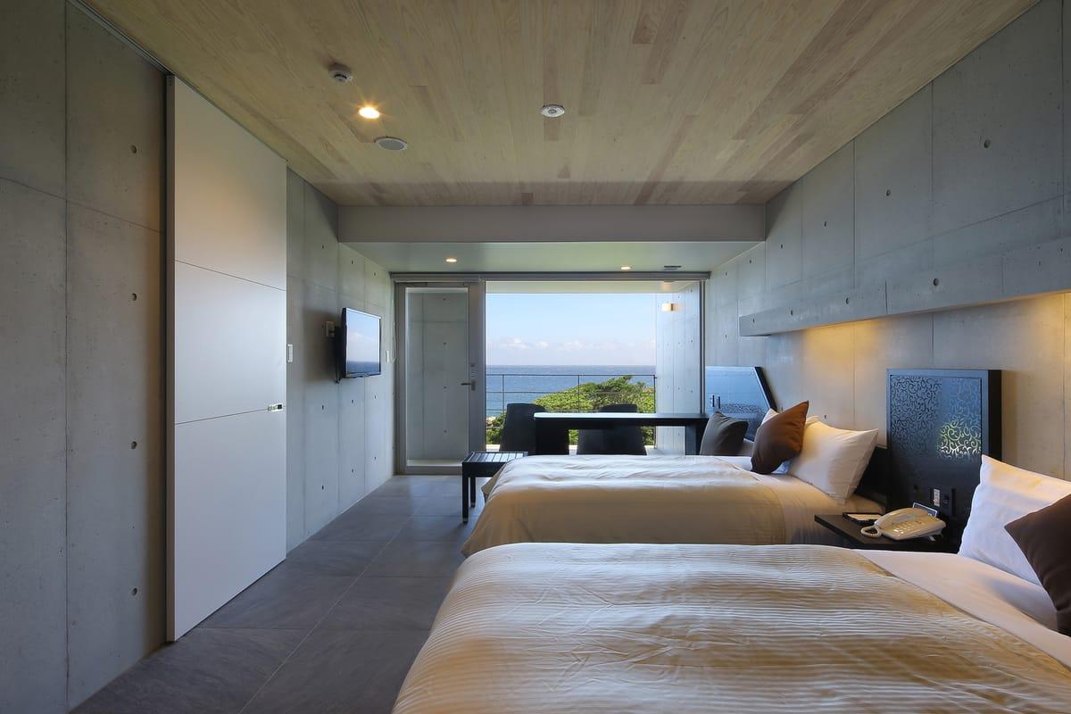 THE HOTEL YAKUSHIMA OCEAN & FOREST(旧シーサイドホテル屋久島) / 波音ツイン