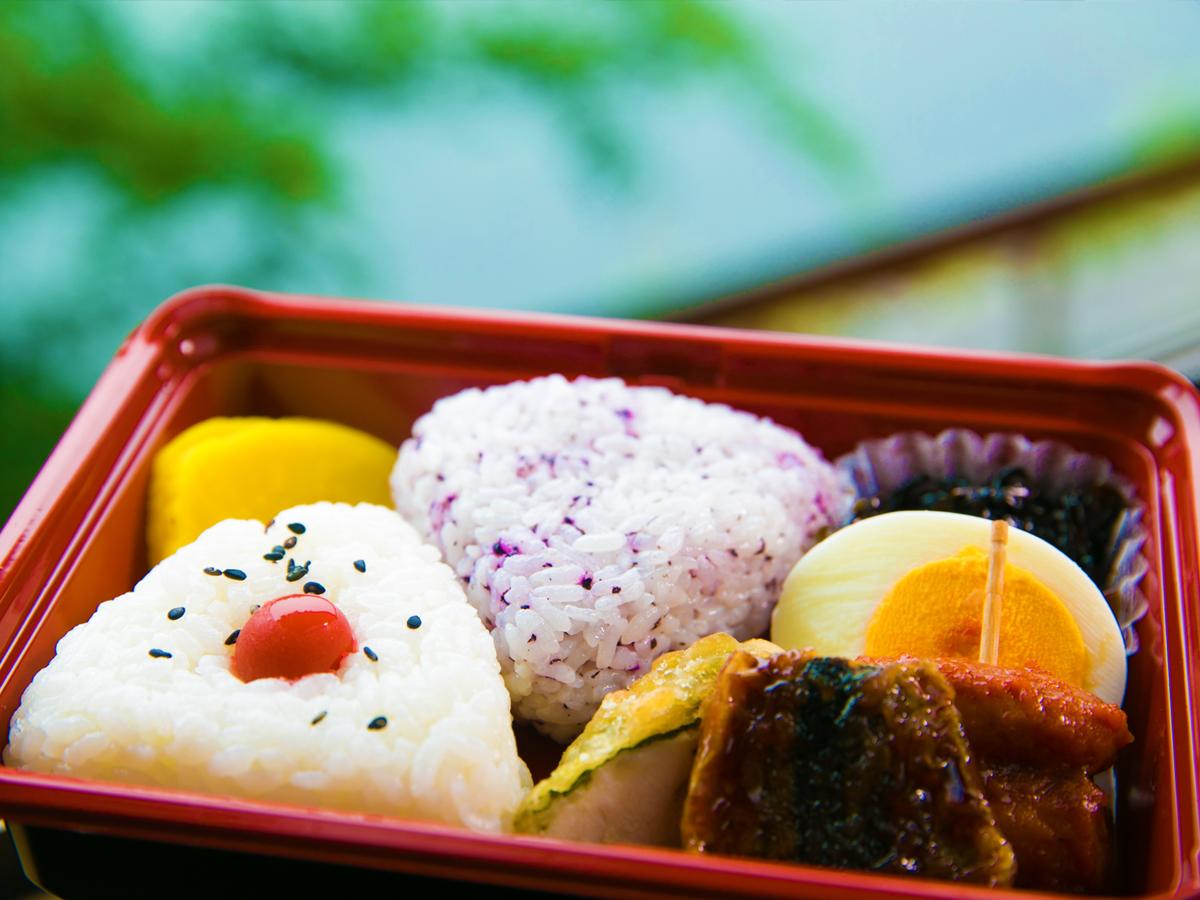 """田代別館 / 【一泊朝食付きプラン】朝食を""""お弁当""""にもできます♪サクッと泊まって屋久島を楽しむ"""