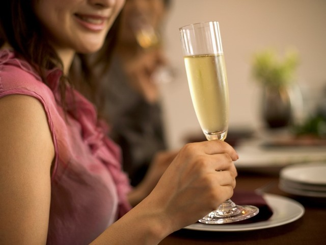Okinawa EXES Naha / ~premium Anniversaryプラン~大切な人と過ごすスペシャル記念日。シャンパンハーフボトル&最大23時間Stay。夕朝食付
