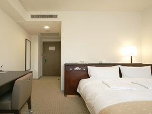ネストホテル大阪心斎橋 / セミダブル□禁煙 カップルにおすすめ!ベッド幅140センチ