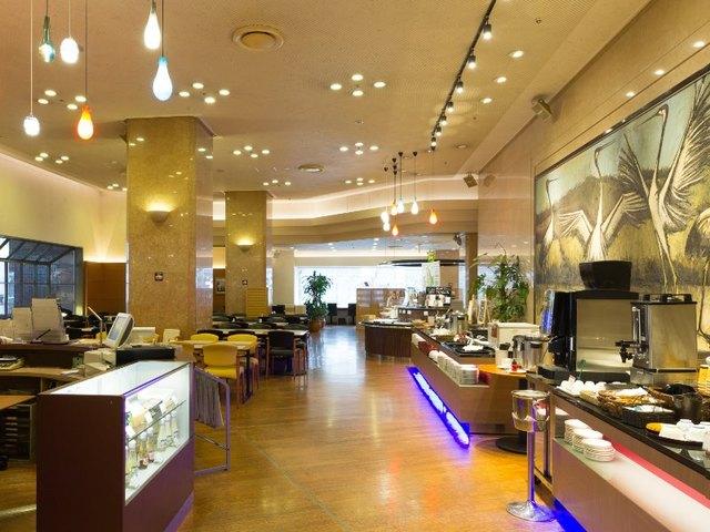 ニューオータニイン札幌 / 待っても食べたい!ふわっふわ食感のスペシャルパンケーキ+朝食付。大作絵画がお出迎え。