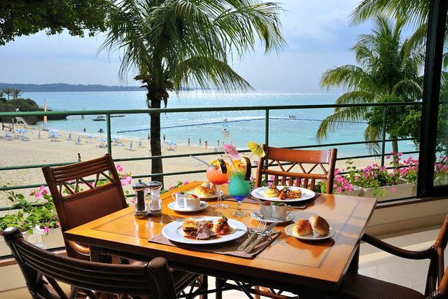 ホテルムーンビーチ / 【早割60】お先にお得!選べる夕食&朝食ブッフェ付