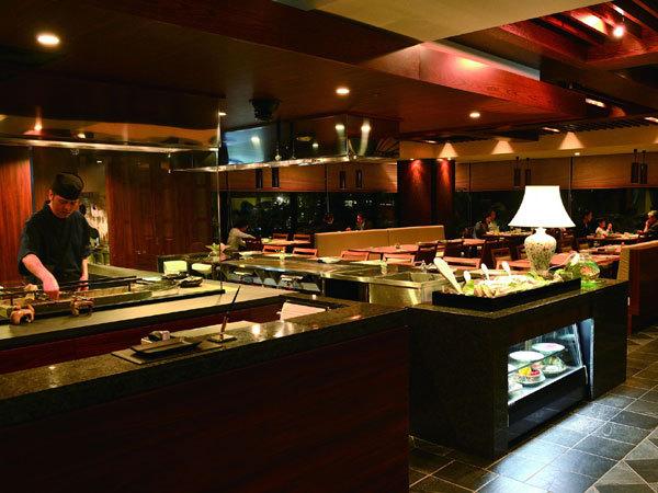 ホテルムーンビーチ / 【早割28】お先にお得!選べる夕食&朝食ブッフェ付
