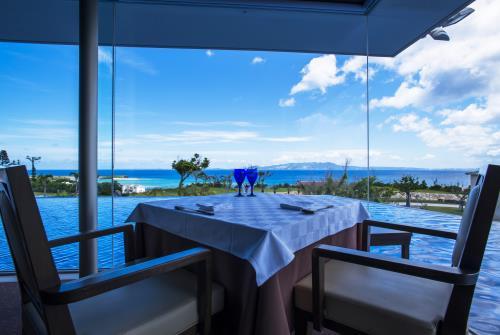 オリエンタルヒルズ沖縄 / 【3食付・送迎付】何もしない贅沢を。部屋食も選べる、大人のおこもり旅