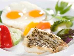 テラスガーデン美浜リゾート 元気の源♪♪琉球料理を織り交ぜた身体に優しいオーガニックなコース仕立てのご朝食≪1泊朝食付き≫